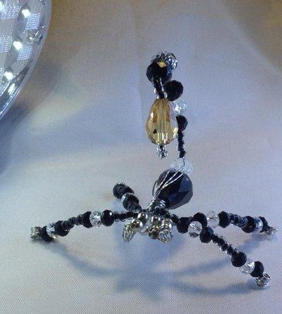 Scorpione di pietre e perle
