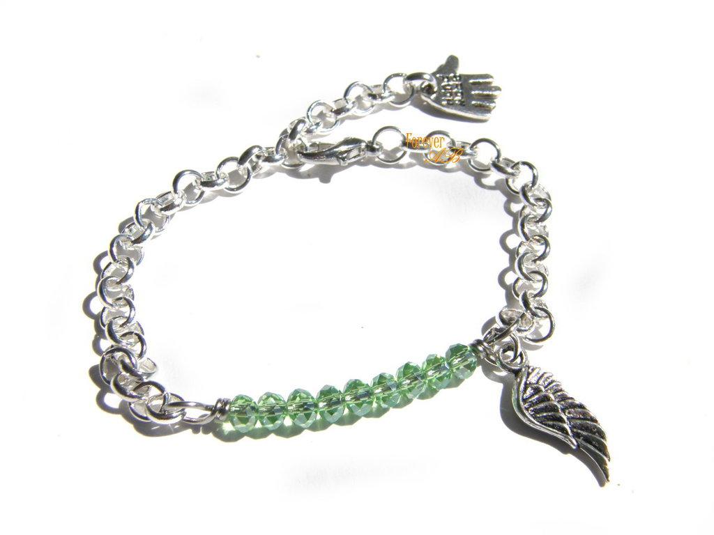 Bracciale perline verde e ciondolo  ala idea regalo donna ragazza