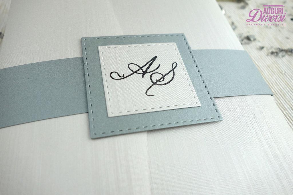 Partecipazione di matrimonio in elegante carta metallizzata EFFETTO SETA. Colore Argento