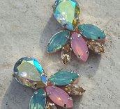 orecchini a lobo fatti a mano con simil cristalli in resina nei toni dell azzurro e rosa