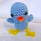 Uccellino azzurro amigurumi tenero e simpatico, fatto a mano all'uncinetto