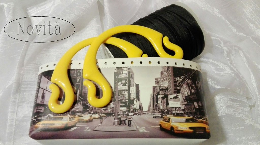 Kit con fondo ecopelle stampa New York