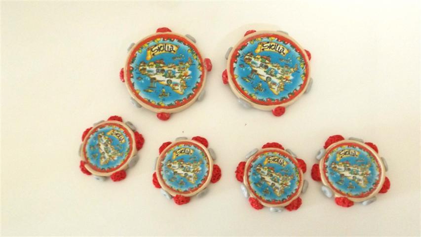 NOVITA - un ricordo dalla SICILIA - fimo - portafortuna LOTTO OFFERTA 3 magneti  TAMBURELLO  -  compleanno, idea regalo