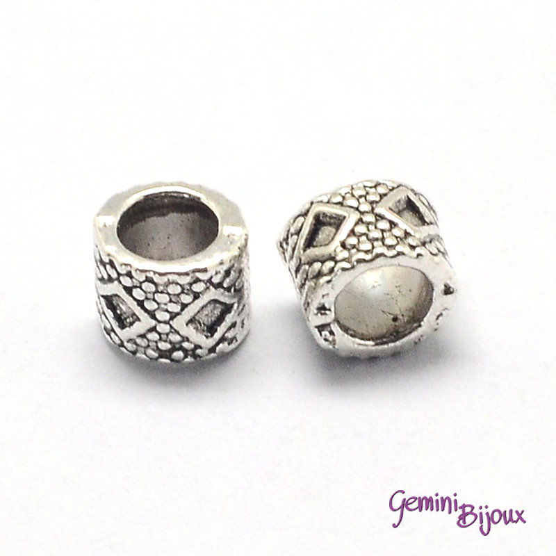 Perla tibetana in alluminio argentata a foro largo, mm 6x7. LH39