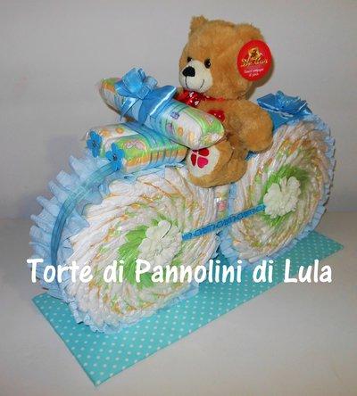 Torta di Pannolini Pampers Moto Bicicletta - idea regalo, originale ed utile, nascita, battesimo, compleanno