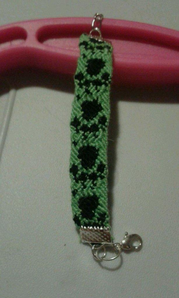Braccialetto colorato cotone Aiutamicio zampetta fatto a mano beneficenza