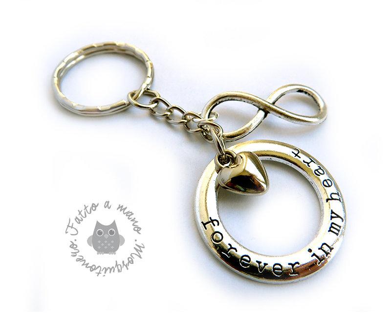 Portachiavi Infinito con cuore e anello inciso Per sempre nel mio cuore in metallo tibetano