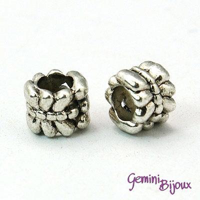 Perla tibetana in alluminio argentata a foro largo, mm 7x6. LH20