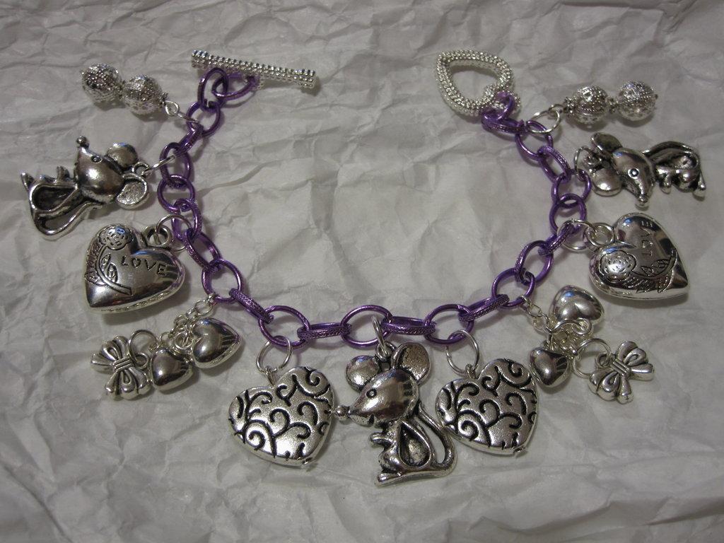 Bracciale catena viola con pendenti