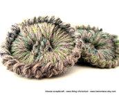 Coppia di bottoni grandi realizzati a crochet - uncinetto - lana 100%