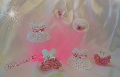 Vestitino bomboniera  magnete,portachiavi o segnalibro  nascita o battesimo