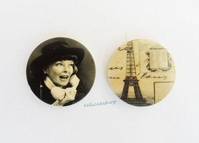 Medaglione ciondolo raffigurante Katharine Hepburn in legno 35 mm 1pz