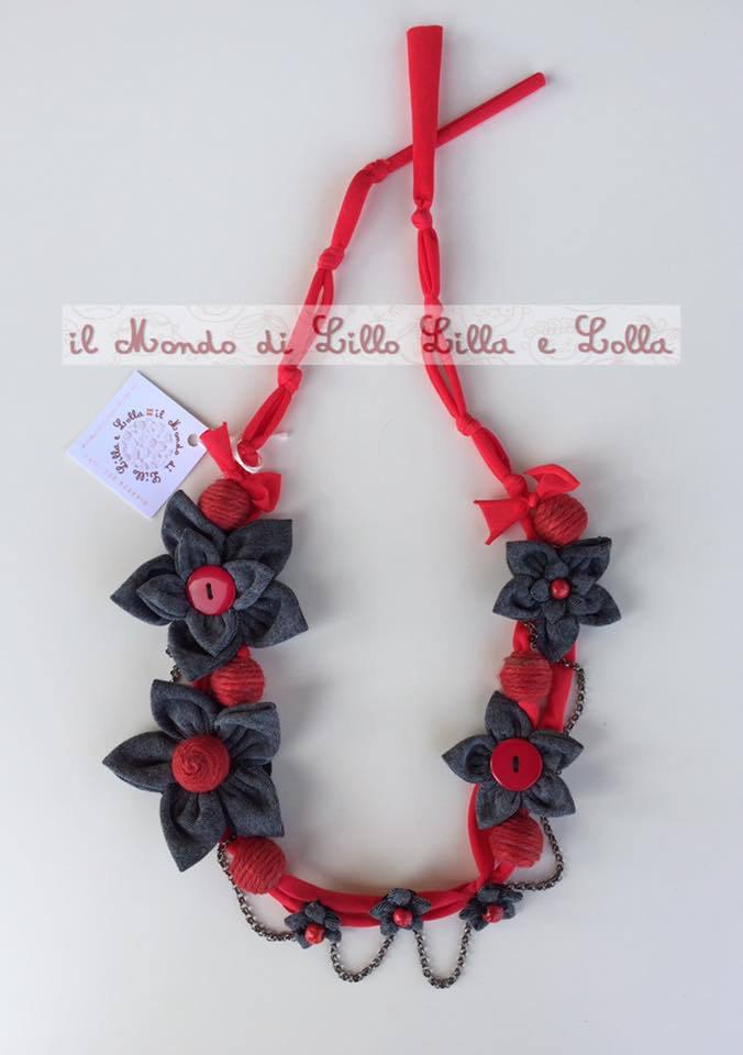 collana fiori rossi