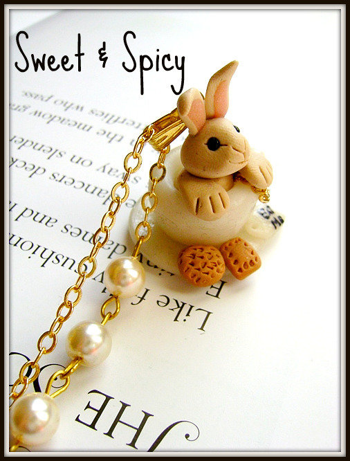 aLICE IN WONDERLAND-SWEET RABBIT  IN THE TEA CUP NECKLACE-SOLO SU COMMISSIONE!!