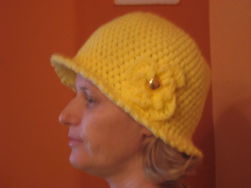 NWT Yellow Cloche Hat with Flower