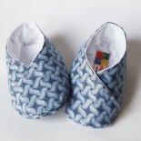scarpine bebè cotone  con fantasia con intrecci grigio azzurro