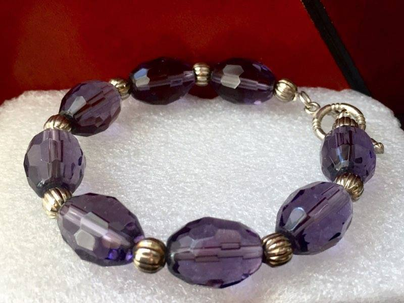 bracciale perle ovali viola