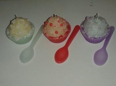 Cupcake di cera con cucchiaino