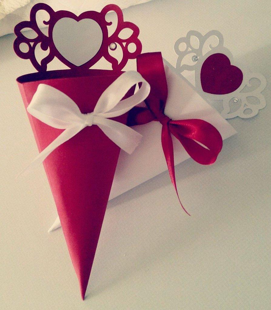 50 Coni porta riso-confetti decorati con fiocco, cuore. Matrimonio-nozze-nascita