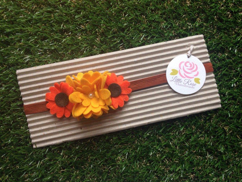 Fascia elastica per capelli a girasole primaverale in tono giallo e arancione by Little Rose Handmade
