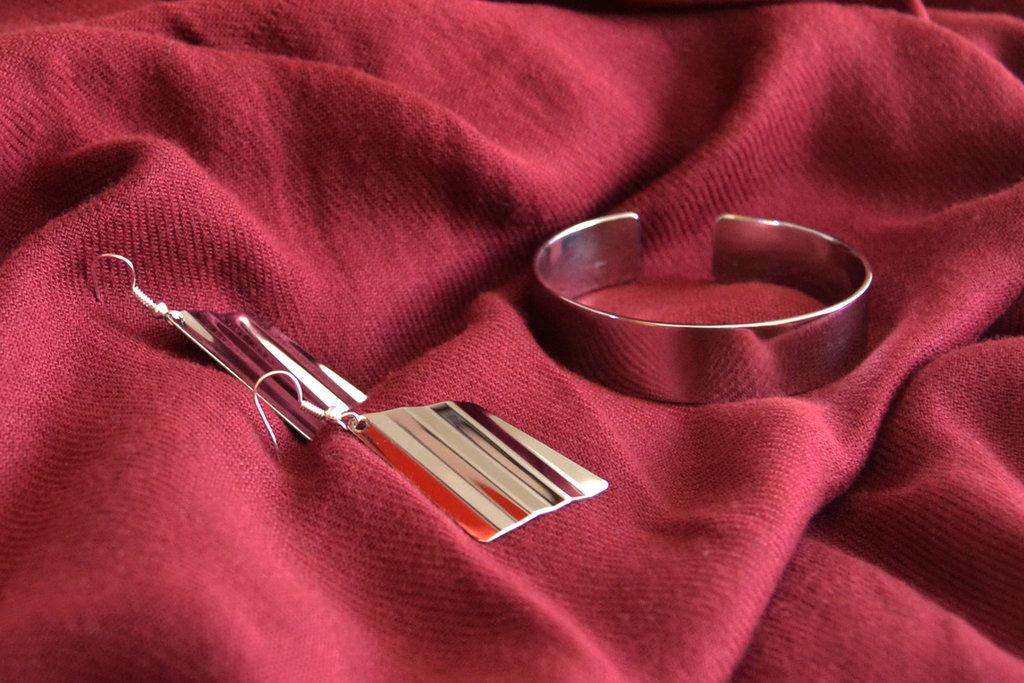 Coppia di orecchini a scelta + bracciale in acciaio Inox
