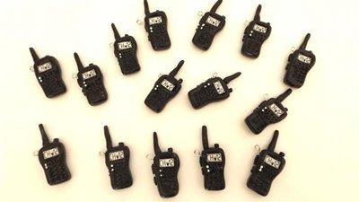 INSERZIONE RISERVATA PER IGNAZIA - 15 pezzi  CIONDOLI radio amatore miniatura - fimo