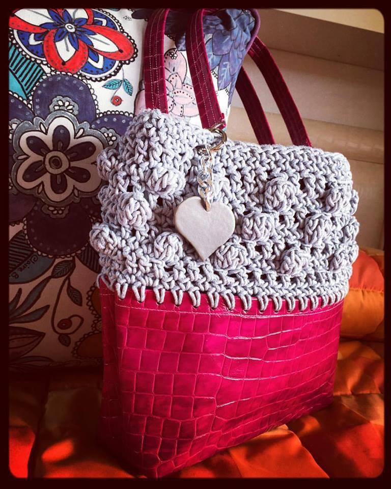 Borsa crochet grigio e rosa