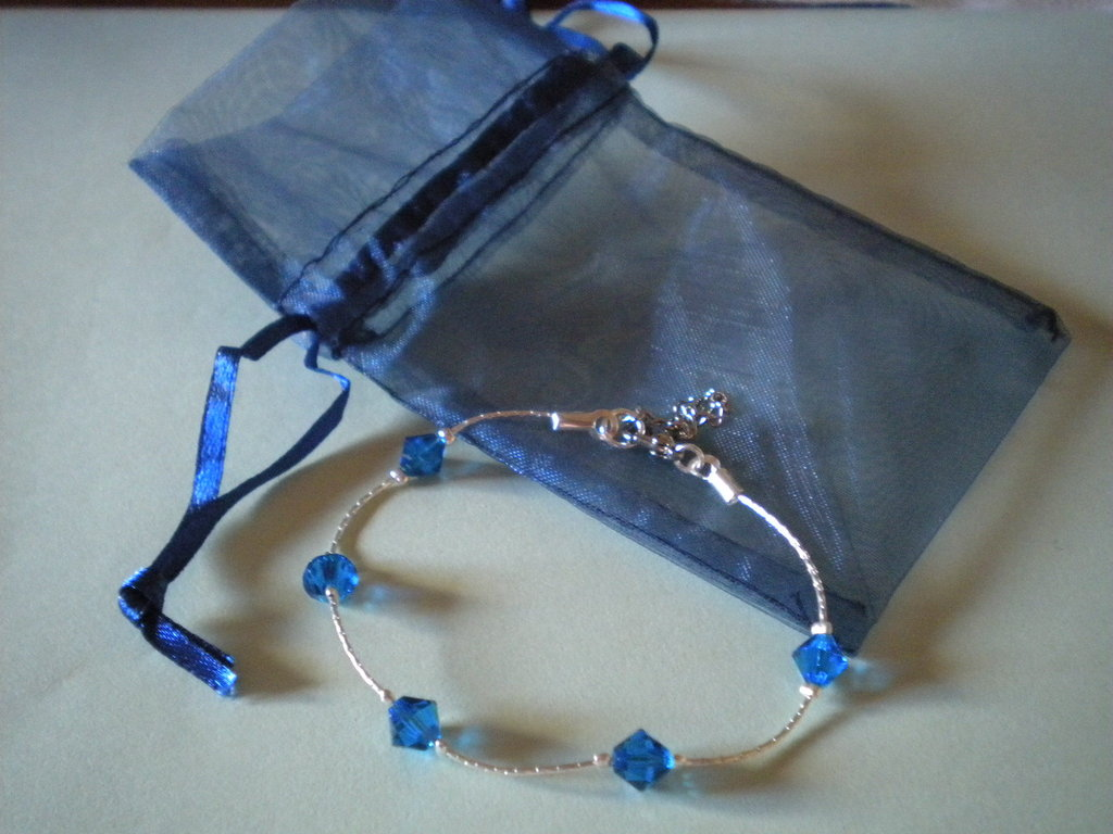 Raffinato bracciale con cristalli Swarovski