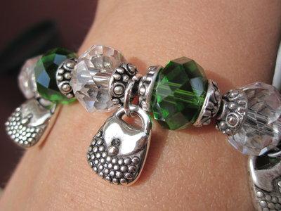 Bracciale swarovsky verdi e trasparenti e borsette in argento tibetano