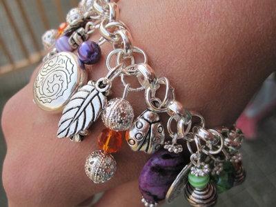 Bracciale pietre pendenti multicolor