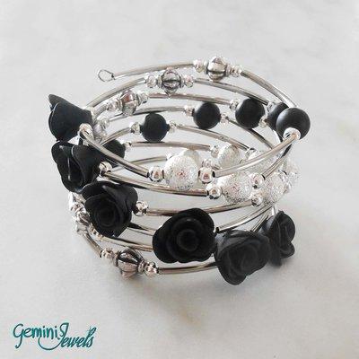 Bracciale armonico con roselline in fimo nere