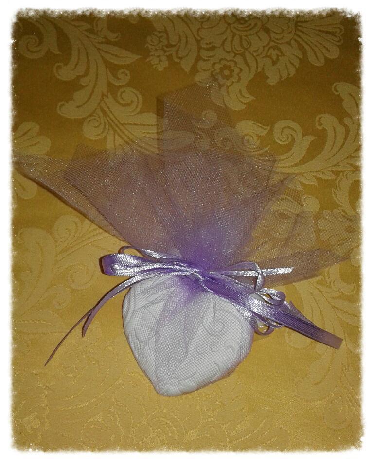 Bomboniera gessetto profumato per comunione e cresima lilla