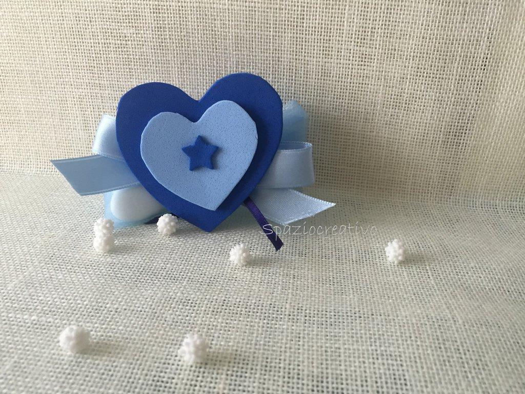 Cuore in gomma crepla in blu e azzurro con mollettina sul retro