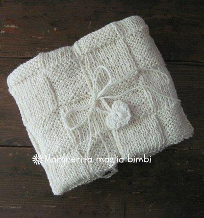 Copertina baby neonato in cotone e lino lavorata ai ferri primavera - estate