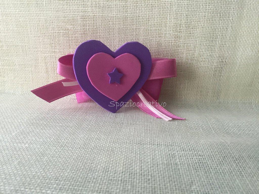 Cuore in gomma crepla viola e rosa con mollettina sul retro