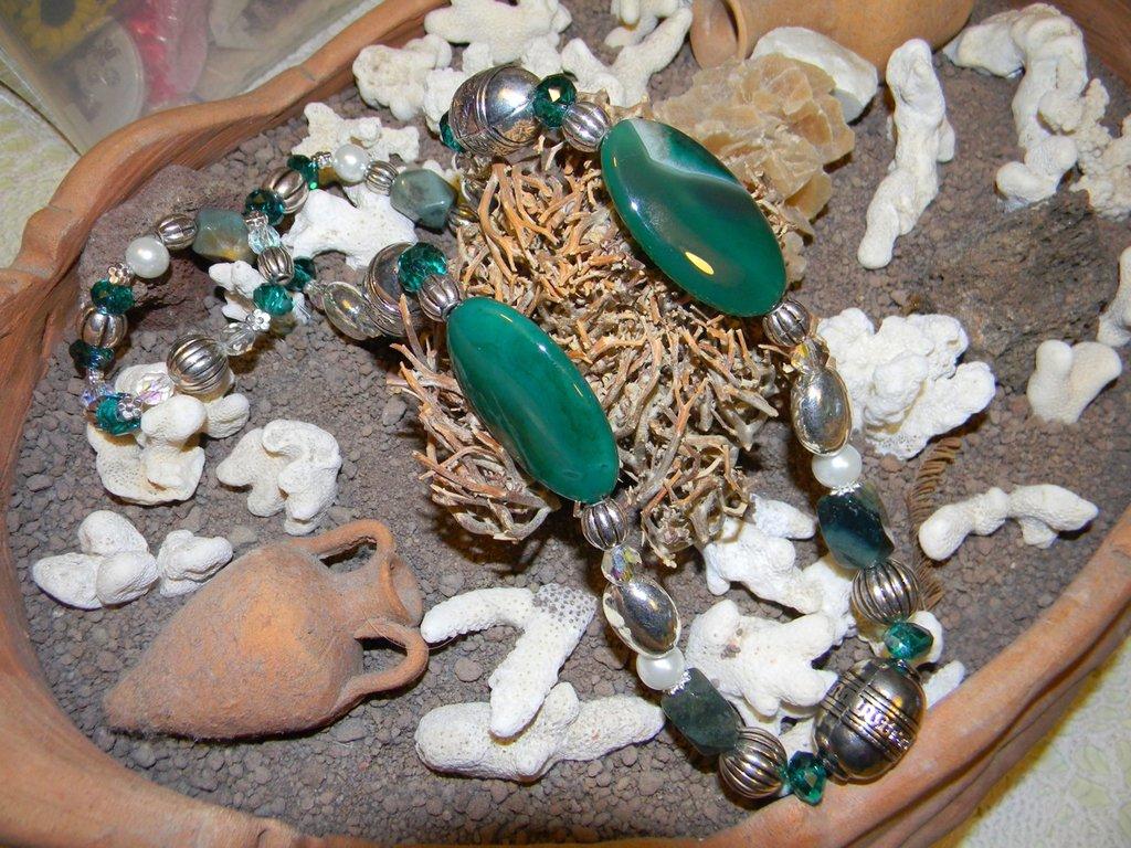 Collana agata verde, cristalli ed argento tibetano