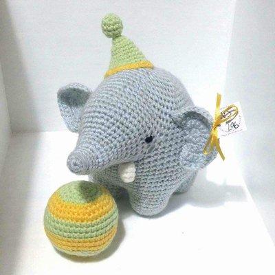 Packy Elefante Equilibrista