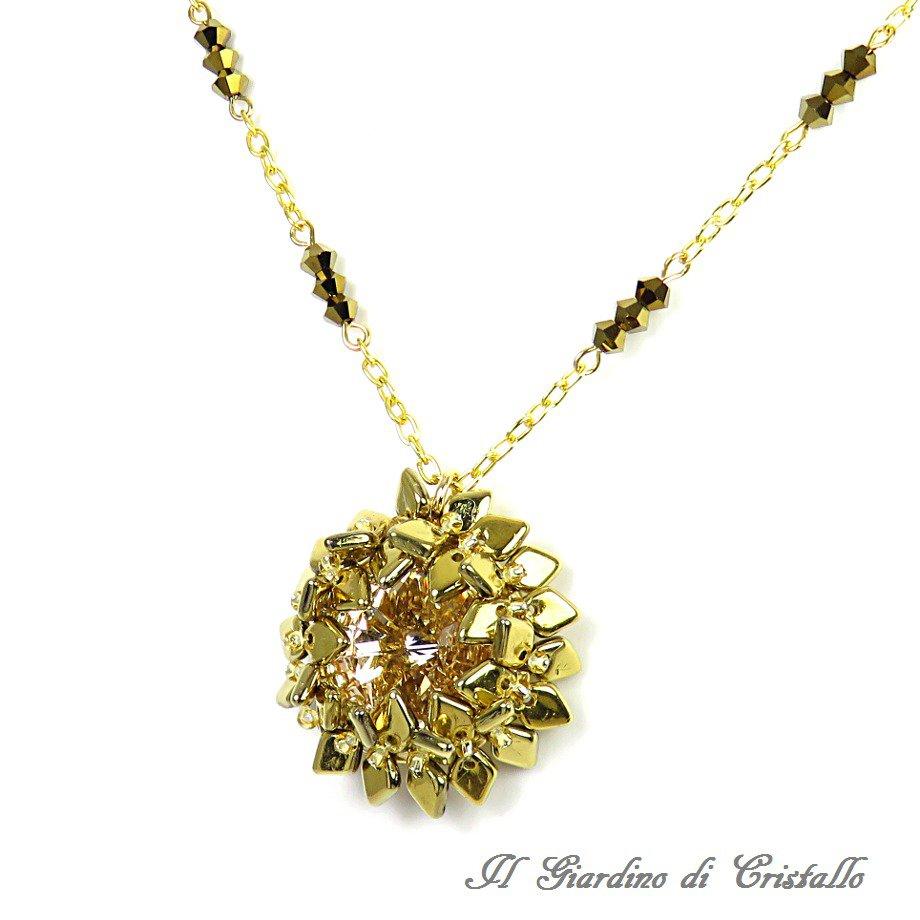 Collana corona d'alloro con pendente rivoli cristalli Swarovski toni oro fatta a mano - Alloro