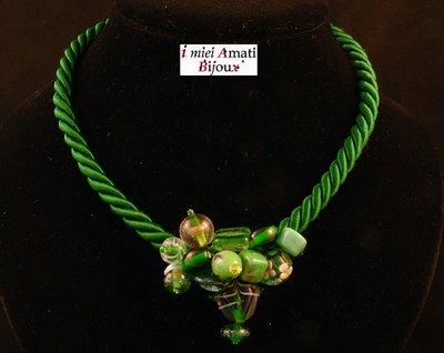 Collana cordoncino verde