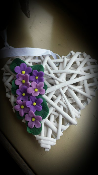 Cuore decorato con fiori