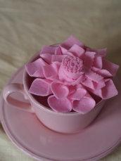DALIA rosa.Grande fiore/SPILLA in FELTRO.Bomboniera,segnaposto.Hand made.Suggerimento per BATTESIMO/COMUNIONE/MATRIMONIO(disponibili altri colori)