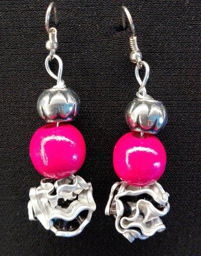 Orecchini pendenti in alluminio riciclo capsule caffè rosa