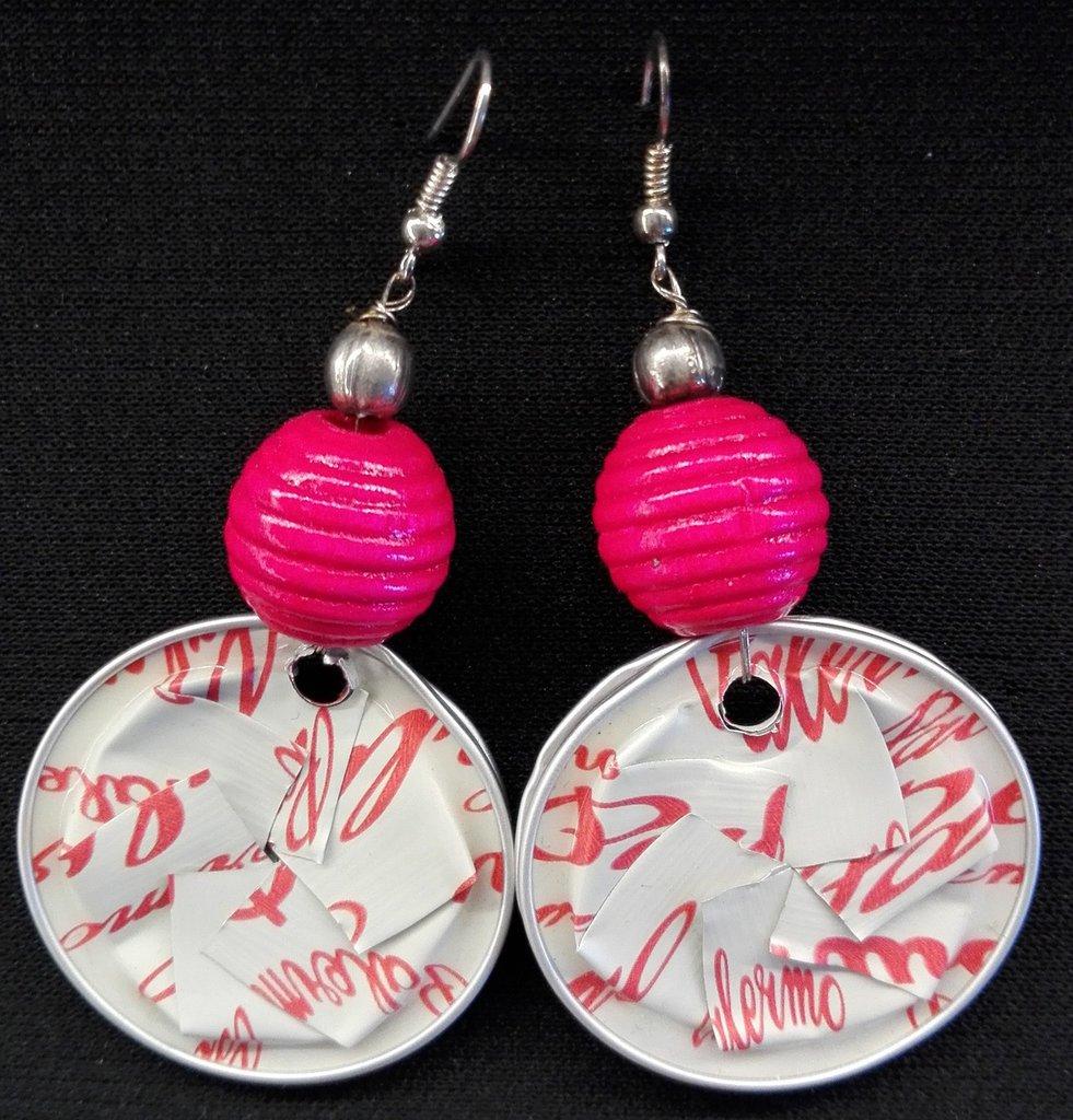 Orecchini pendenti in alluminio riciclo capsule caffè rosa e bianco