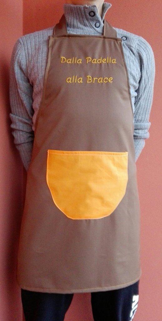 Grembiule da Cucina per uomo marrone ed arancione con scritta