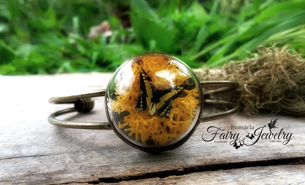 Bracciale cupola micromondo farfalla e licheni naturali giallo bronzo