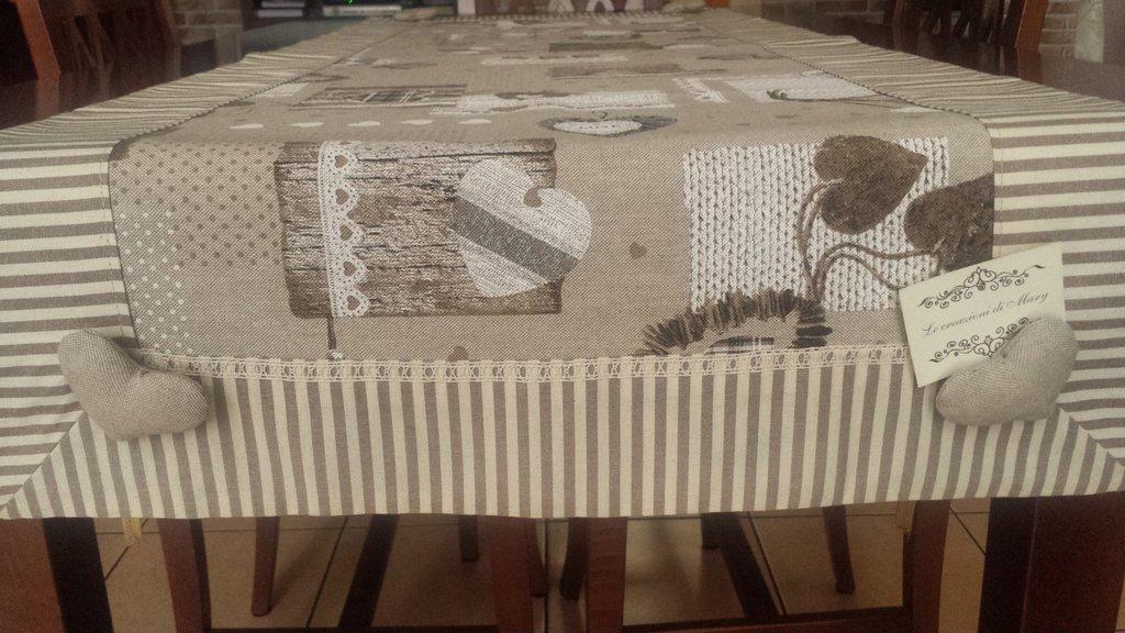 runner tavolo con cuori imbottiti per la casa e per te
