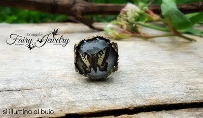 Anello farfalla  bronzo filigrana regolabile sfondo fosforescente