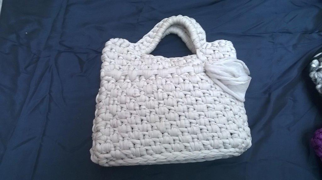 Piccola borsetta in fettuccia
