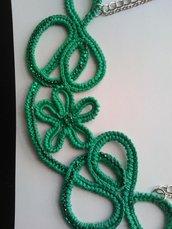 Collana ad uncinetto di colore verde smeraldo