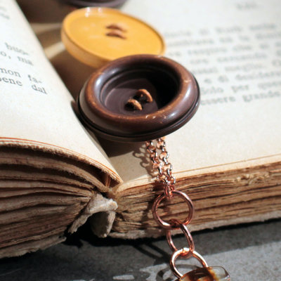 Bracciale marrone con bottoni vintage